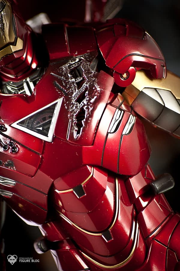 Hot Toys: Ironman Mark VI (13)