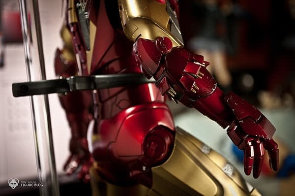 Hot Toys: Ironman Mark VI (30)