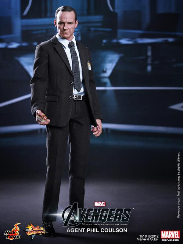 Preview   Hot Toys: Agent Phil Coulson (13)