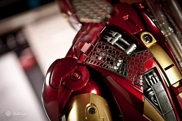Hot Toys: Ironman Mark VI (26)