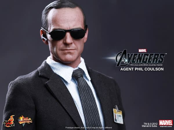 Preview   Hot Toys: Agent Phil Coulson (10)