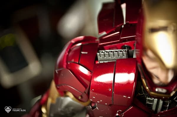 Hot Toys: Ironman Mark VI (44)
