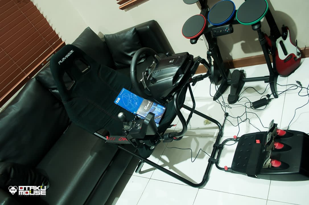 Playseat Challenge and Logitech's G27 Combo (1)