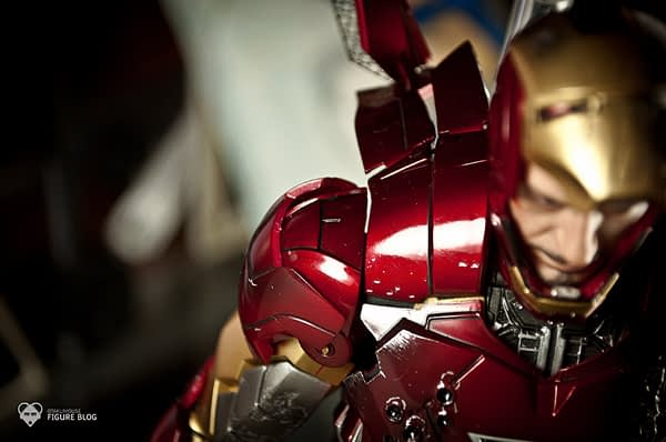 Hot Toys: Ironman Mark VI (42)