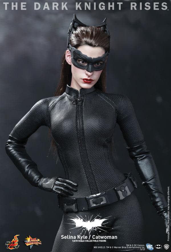 Preview | Hot Toys: Selina Kyle / Catwoman (20)