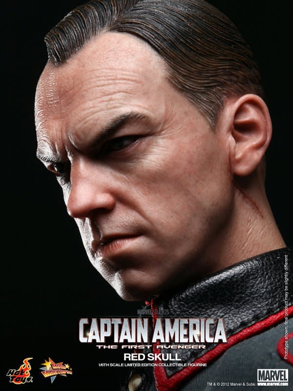 Preview   Hot Toys: Red Skull (8)