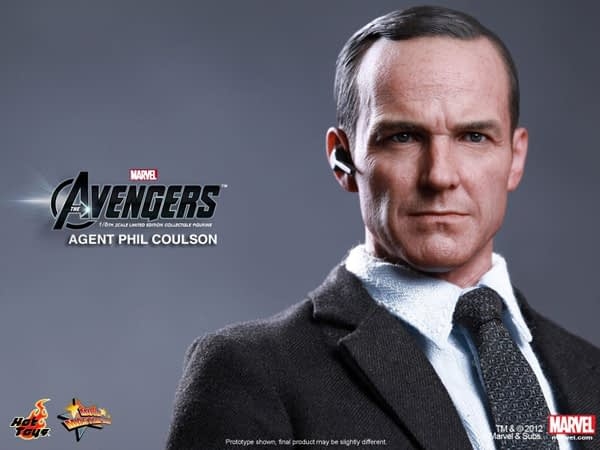 Preview   Hot Toys: Agent Phil Coulson (1)
