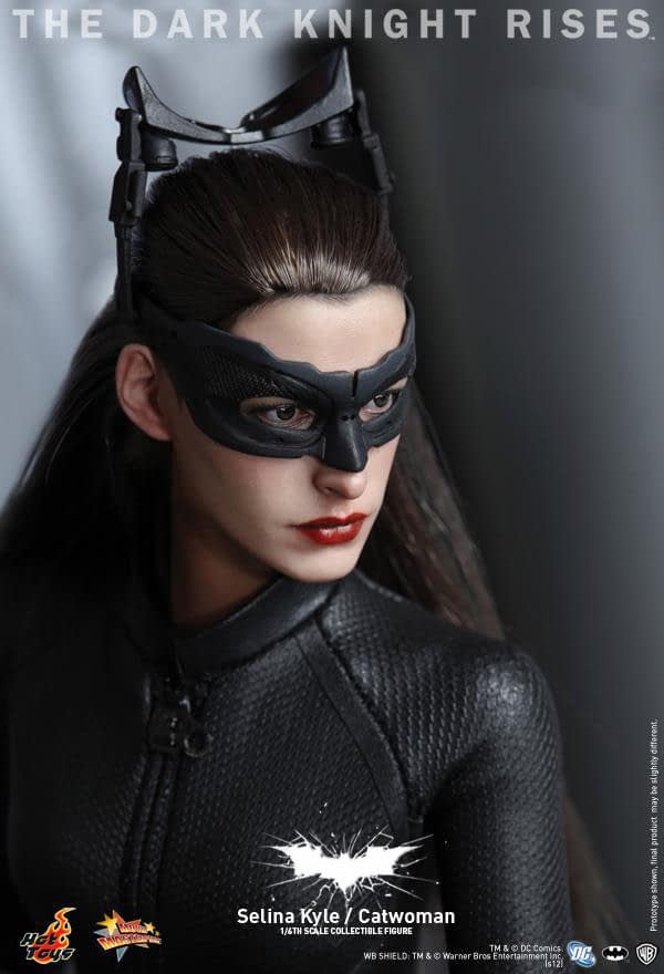 Preview | Hot Toys: Selina Kyle / Catwoman (14)