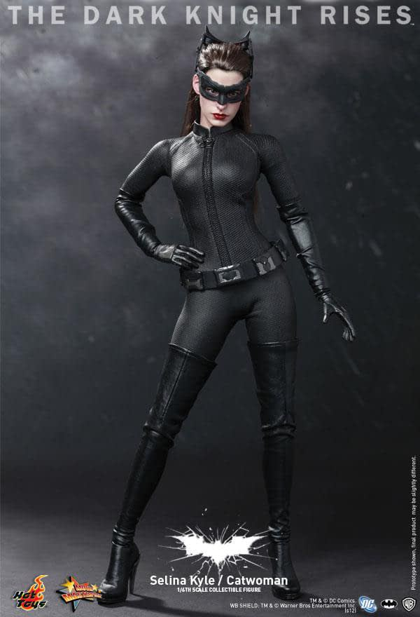 Preview | Hot Toys: Selina Kyle / Catwoman (12)