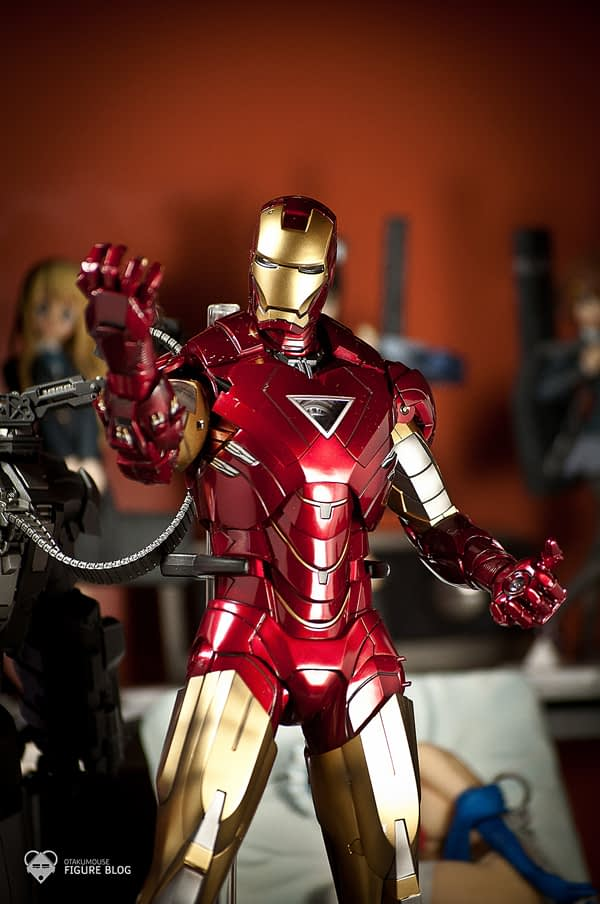 Hot Toys: Ironman Mark VI (63)