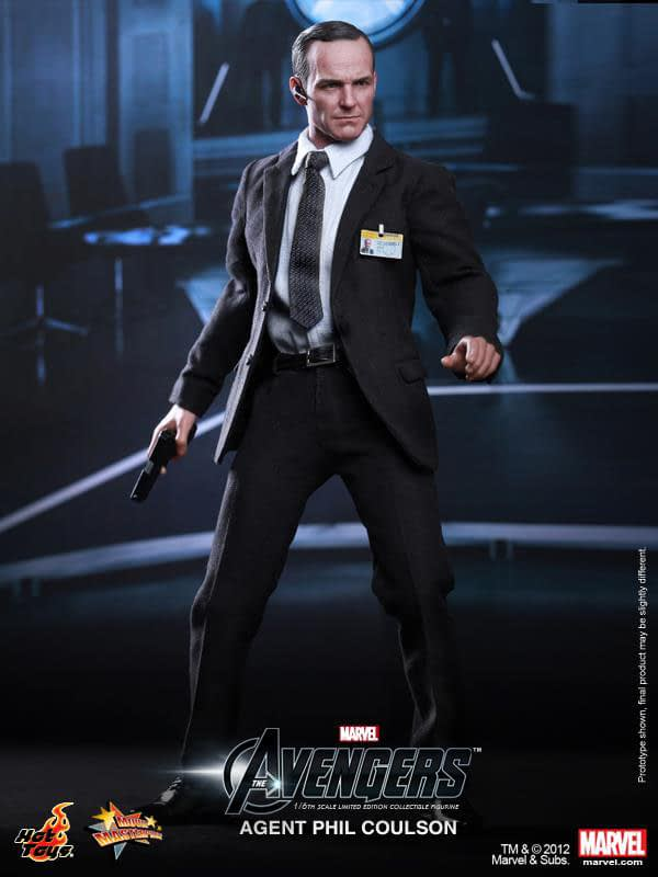Preview   Hot Toys: Agent Phil Coulson (3)