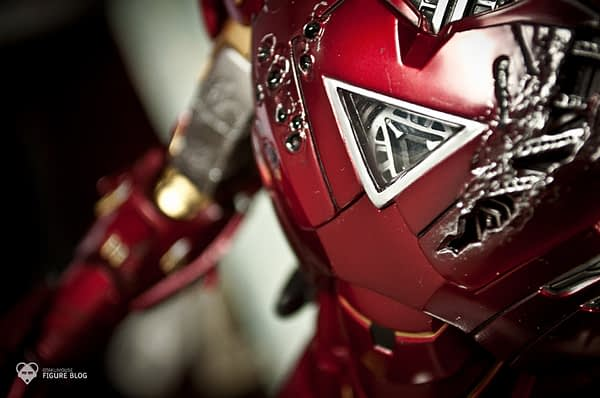 Hot Toys: Ironman Mark VI (21)
