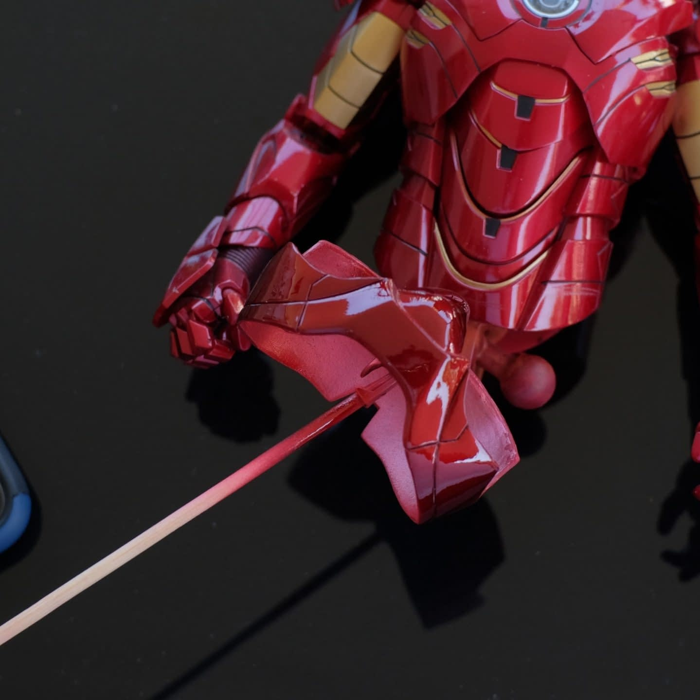 How to fix HT's Iron Man pink panty issue 1