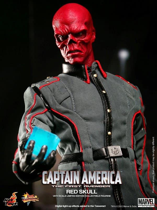 Preview   Hot Toys: Red Skull (2)
