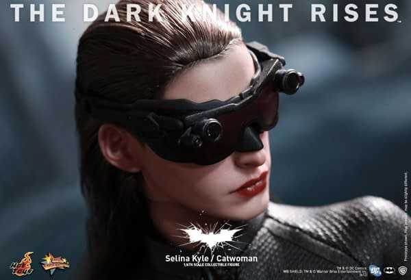 Preview | Hot Toys: Selina Kyle / Catwoman (3)