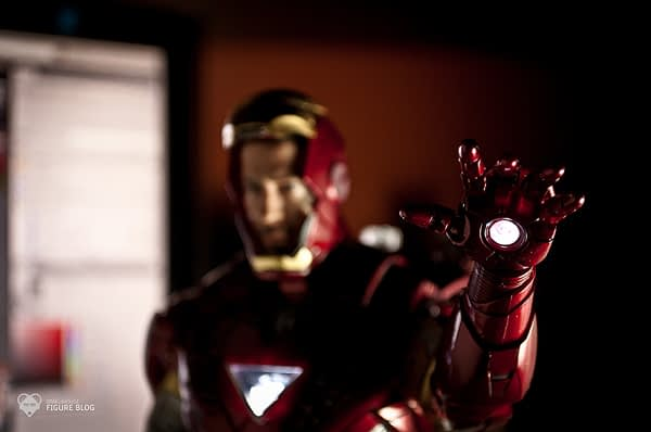 Hot Toys: Ironman Mark VI (46)
