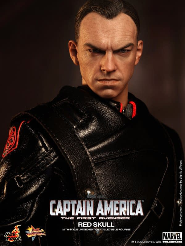 Preview   Hot Toys: Red Skull (5)