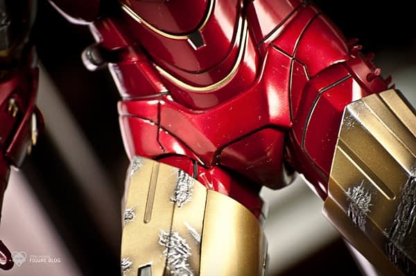 Hot Toys: Ironman Mark VI (14)