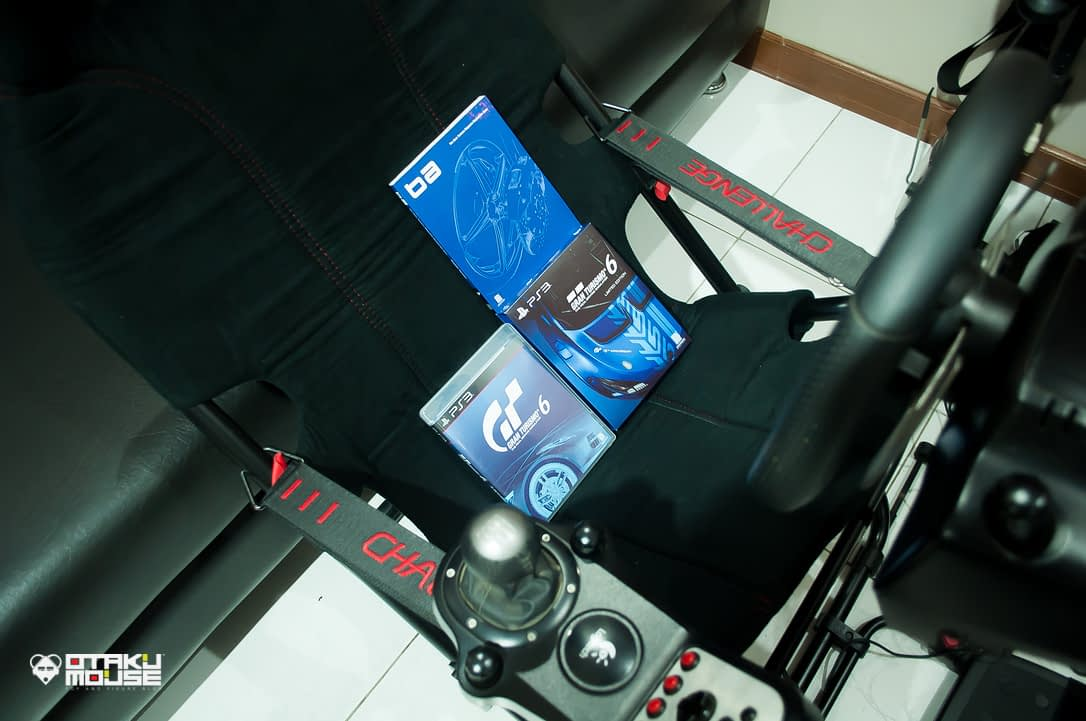 Playseat Challenge and Logitech's G27 Combo (3)