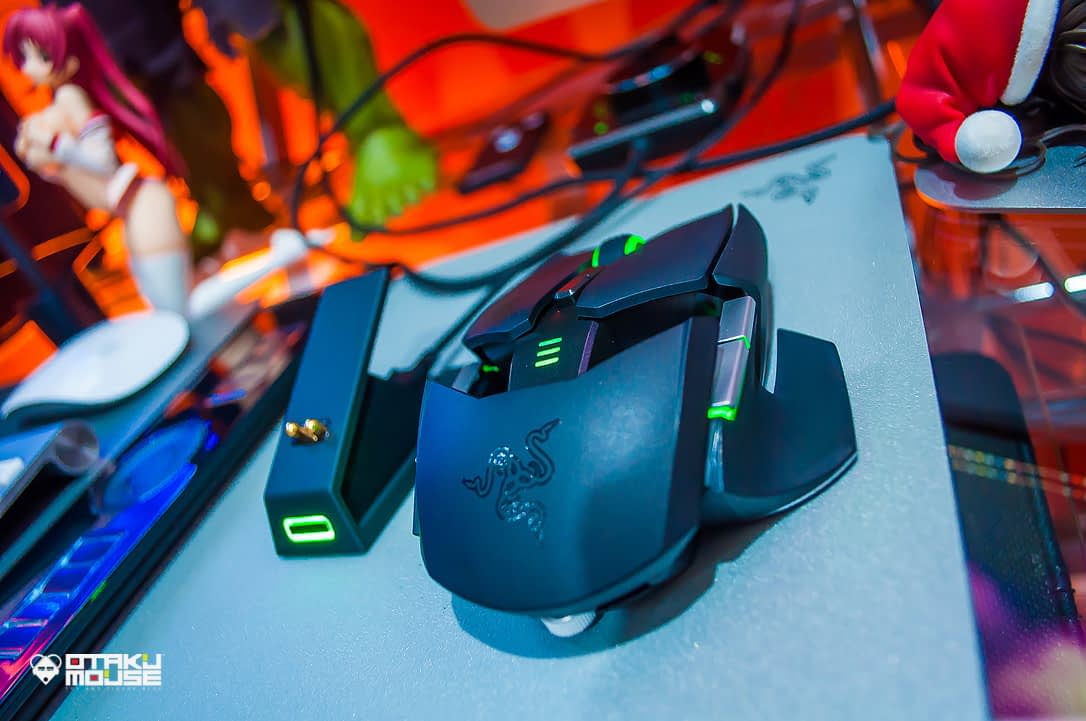 Gaming Using The Razer Ouroboros (15)
