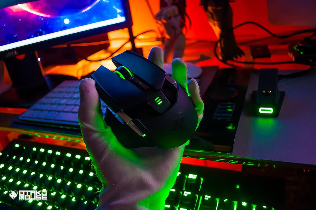 Gaming Using The Razer Ouroboros (21)